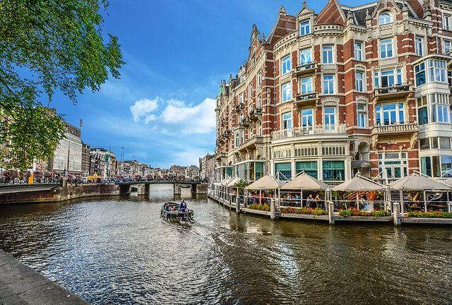 Czym zwiedzać Amsterdam?