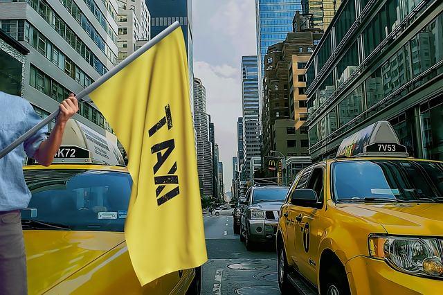 Czy warto zamawiać taksówki przez Internet?