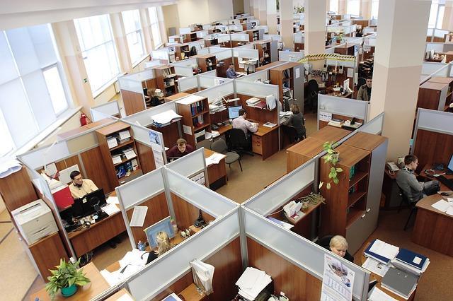 Poszukiwanie pracownika za pośrednictwem agencji pracy tymczasowej