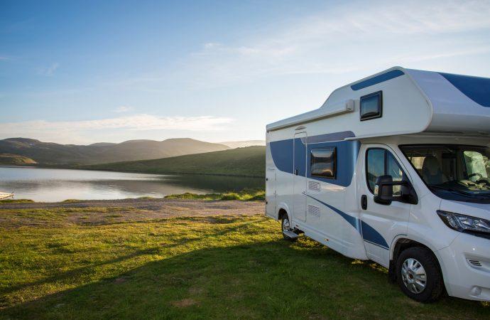 Akcesoria do kamperów – by podróż była jeszcze bardziej komfortowa