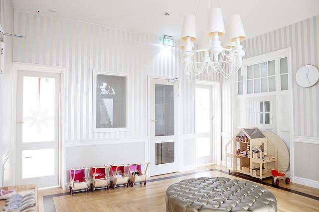 Zmiana pokoju noworodka w pokój dla dorastającego dziecka