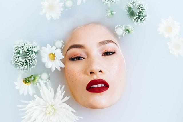 Jak zadbać o odpowiednie nawilżenie skóry?
