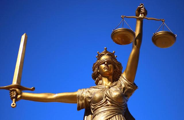 Jak znaleźć kancelarię adwokacką do poprowadzenia sprawy spadkowej?
