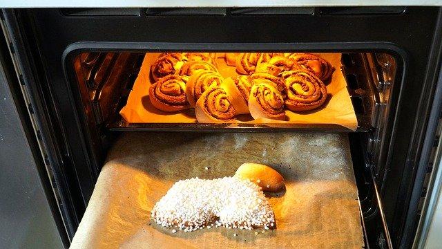 Jak wyczyścić piekarnik domowymi sposobami?