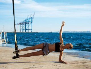 Taśmy TRX – ćwiczenia na brzuch